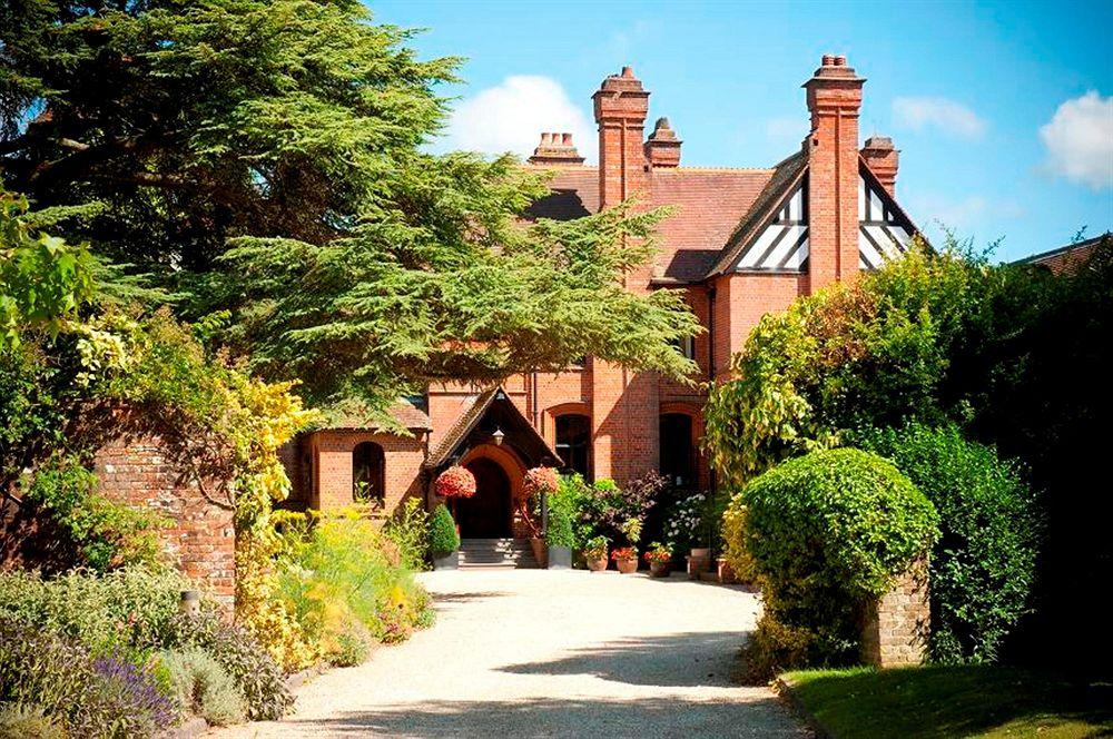 Careys Manor & Senspa