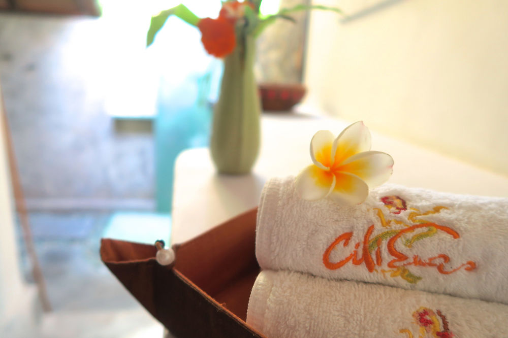 Cili Emas Oceanside Resort
