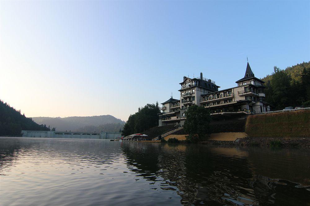 Wellness Resort Retro Riverside