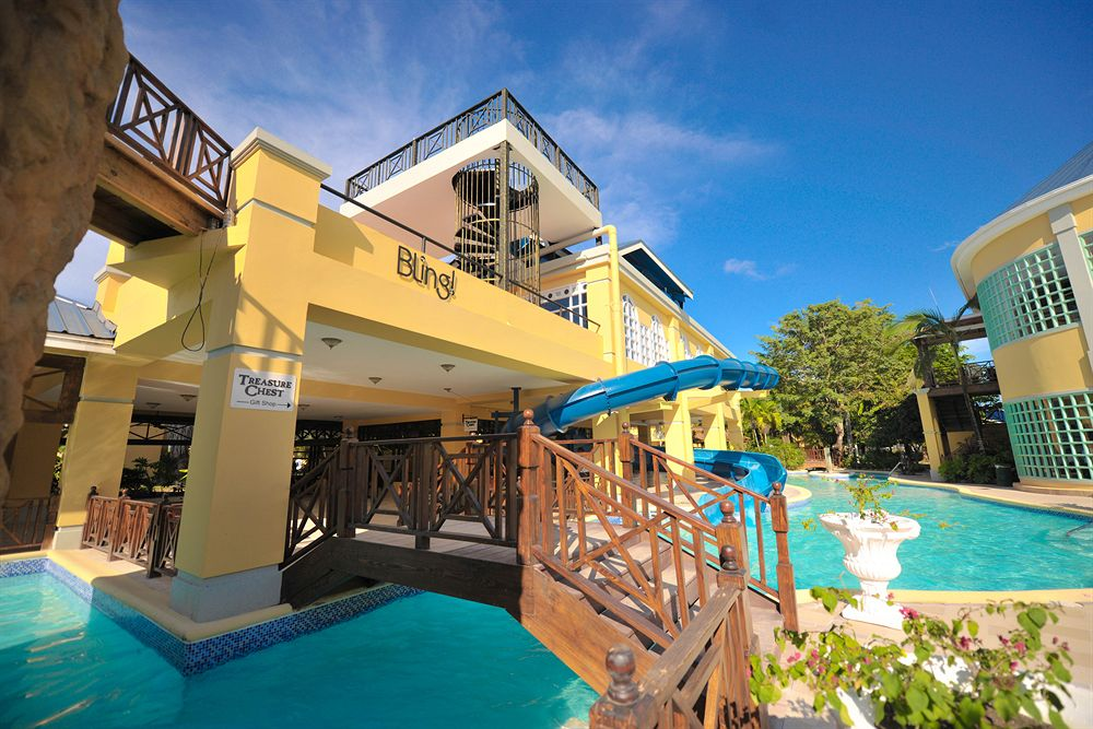 Jewel Paradise Cove Resort, All Inclusive, Curio by Hilton
